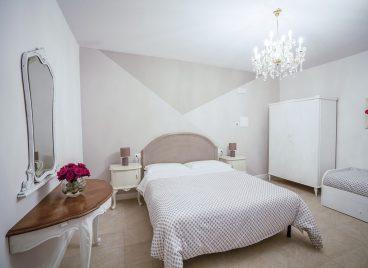 Queen Room With Garden